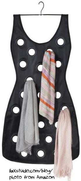 Ilaxstudio Umbra Little Black Dress Scarf Organizer Giveaway