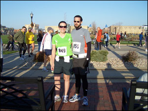 image: Steven and Kim before the Wisconsin Half Marathon