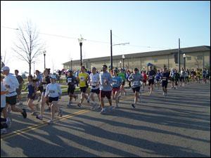 image: Beginning of the Half Marathon